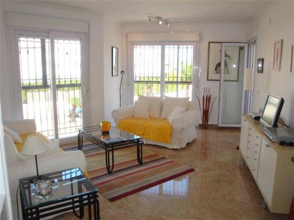 Holiday rental accommodation costa del sol villas to rent for Living room jb