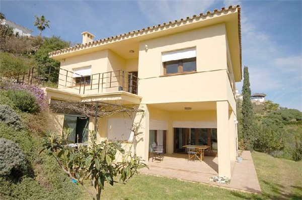 Holiday rental large villa with amazing views and huge for Amazing holiday rentals